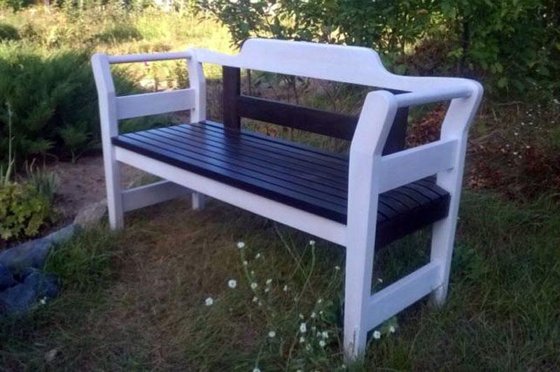 скамейка из дерева для дома