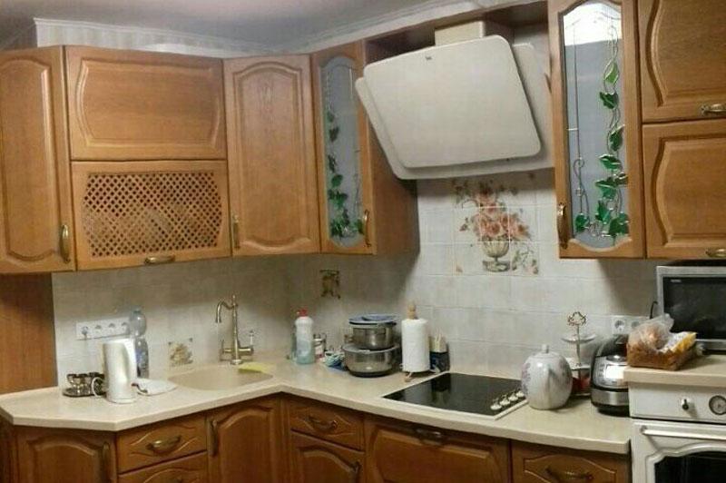 Кухня классика с фасадами из ясеня