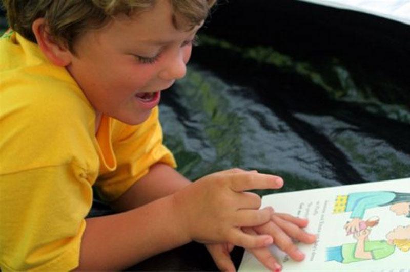 Как научить ребенка бегло читать в 3 года