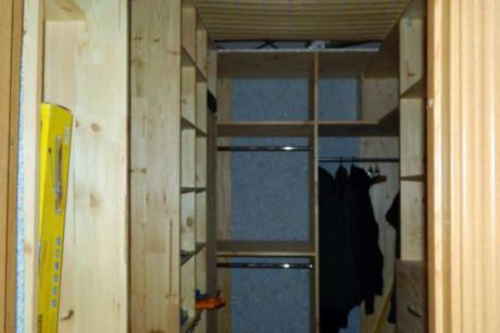 гардеробная из мебельных щитов