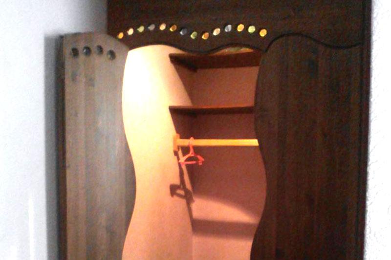 Шкаф-гардероб из кедра