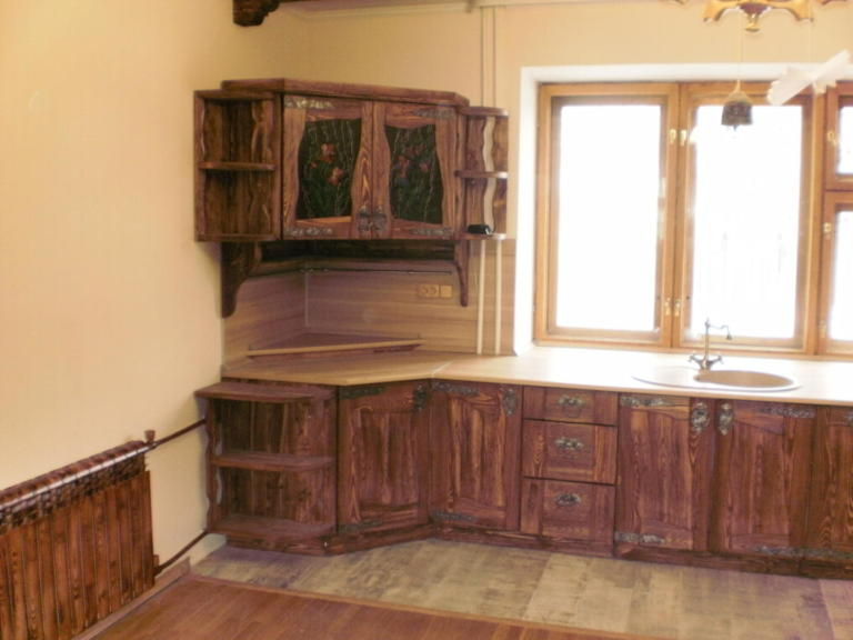 кухня из дерева под старину