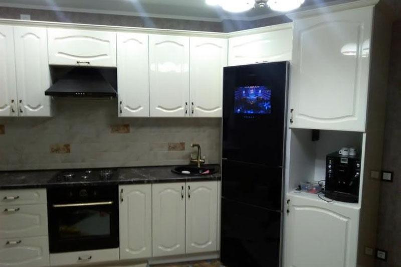 Кухня длинною в 4 месяца