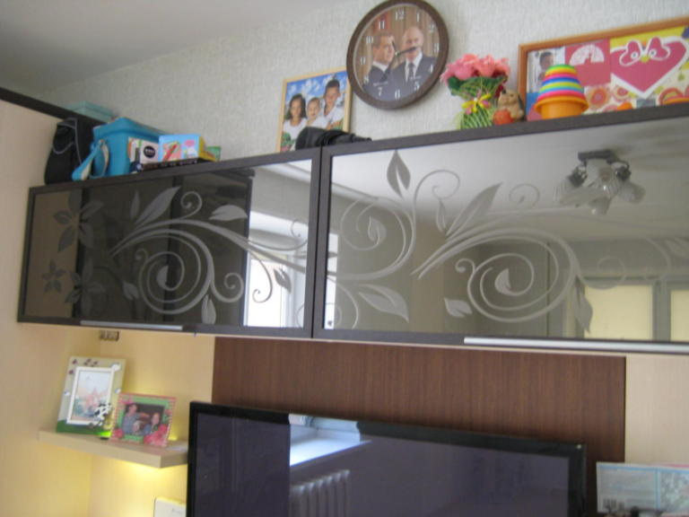 Шкаф-гостиная Зеркальные лилии